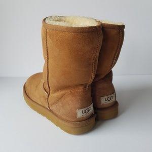 UGG Classic Short Chestnut Boot